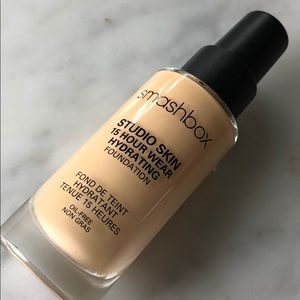smashbox studio skin 15 hour wear foundation 2.0